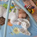 První spánek na bříšku